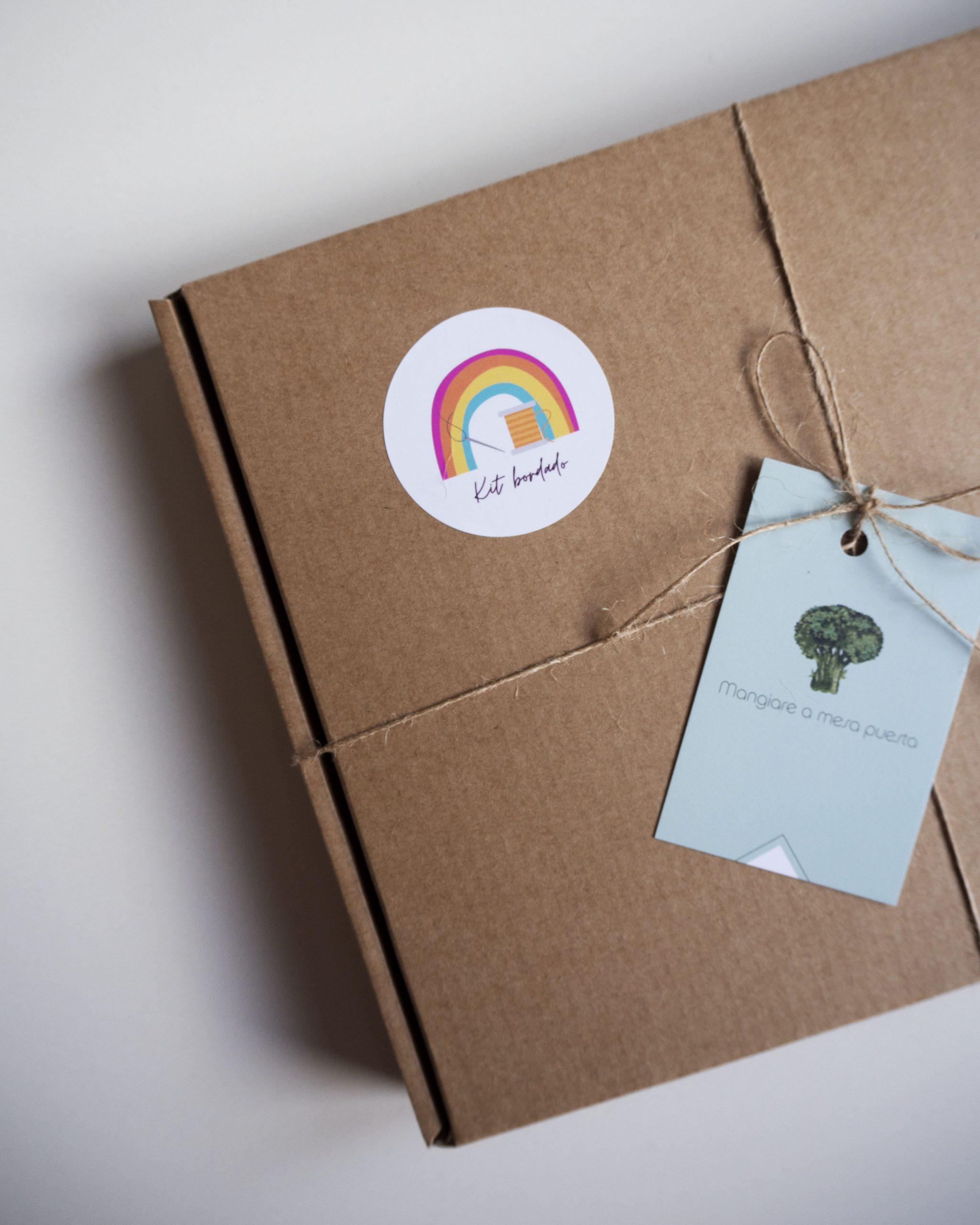 Arcoíris bordado para niños/as